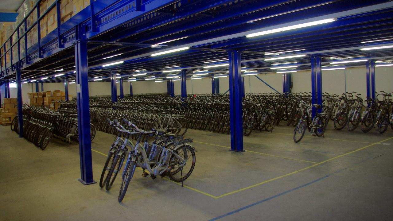 Flyer Werksbesichtigung Testfuhrpark