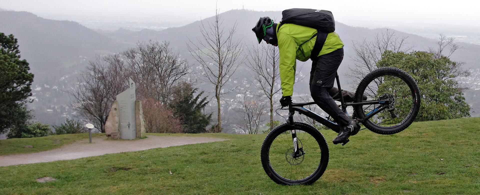 E-Bike Stoppie